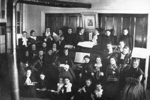 Classe de musique du couvent (photo: Centre d'archives régional de Portneuf).