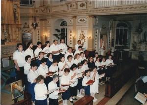Chœur des Retrouvailles, en spectacle à l'église en 1988, pour le 275e anniversaire de Deschambault.