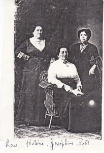 Les tantes Petit: Rose, Hélène et Joséphine.