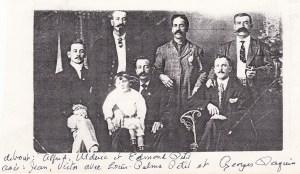Les oncles Petit avec le cousin Georges Paquin.