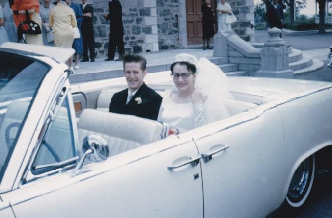 Moi et mon époux Jacques, dans la Lincoln (24 juin 1964).
