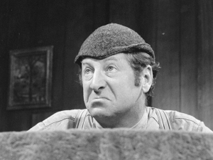Le comédien Jean-Pierre Masson, interprétant Séraphin à la télévision, vers 1965 (Photo: Antoine Desilets, BAnQ).
