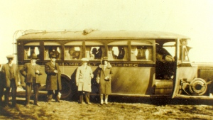 L'un des véhicules de la compagnie Autobus Gauthier (© coll. privée Madeleine Genest).