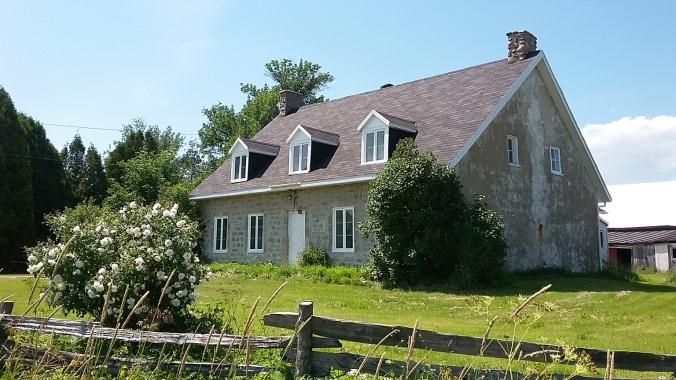 Maison Delisle, reconstruite vers 1765 et appartenant à la même famille depuis ce temps (crédit photo: Patrick Bouillé).