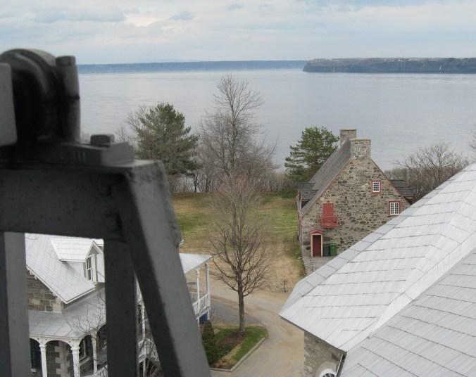 Le cap, c'est aussi le lieu où l'on retrouve nos bâtisses patrimoniales qu'on voit ici du haut du clocher (photo de Jacques Bouillé).