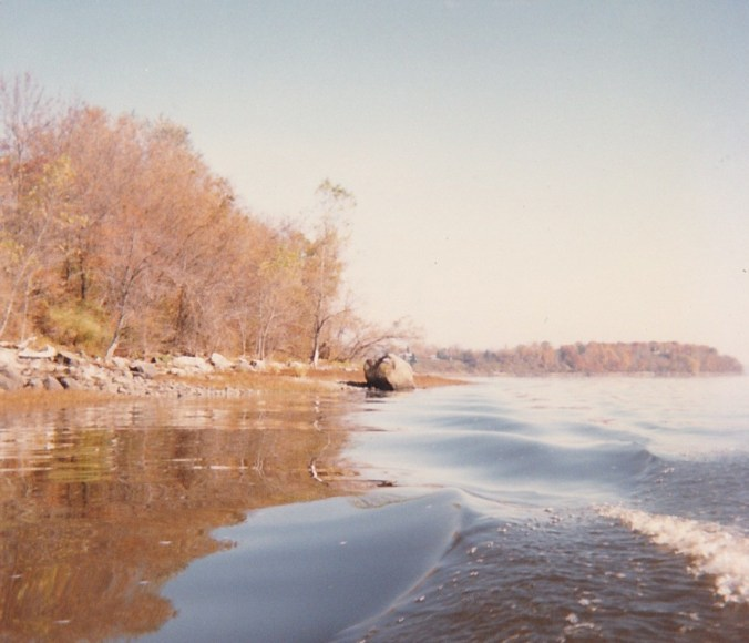 Qu'on l'aborde, en chaloupe, par le côté ouest (photo de Jacques Bouillé, 1987).