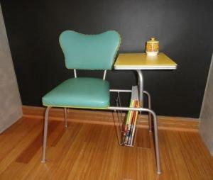 retro-telephone-table