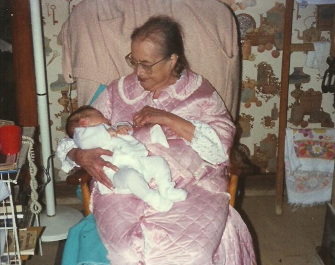 Maman et son arrière-petite-fille Blanche (coll. Patrick Bouillé).