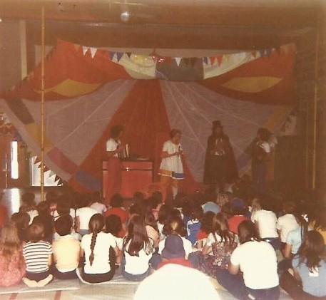 Théâtre pour les jeunes, 1980.