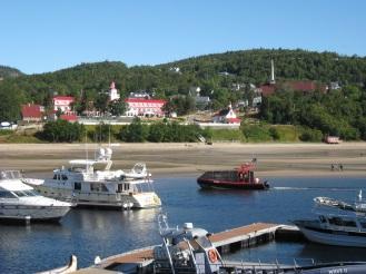 L'hôtel Tadoussac, vu de la marina.