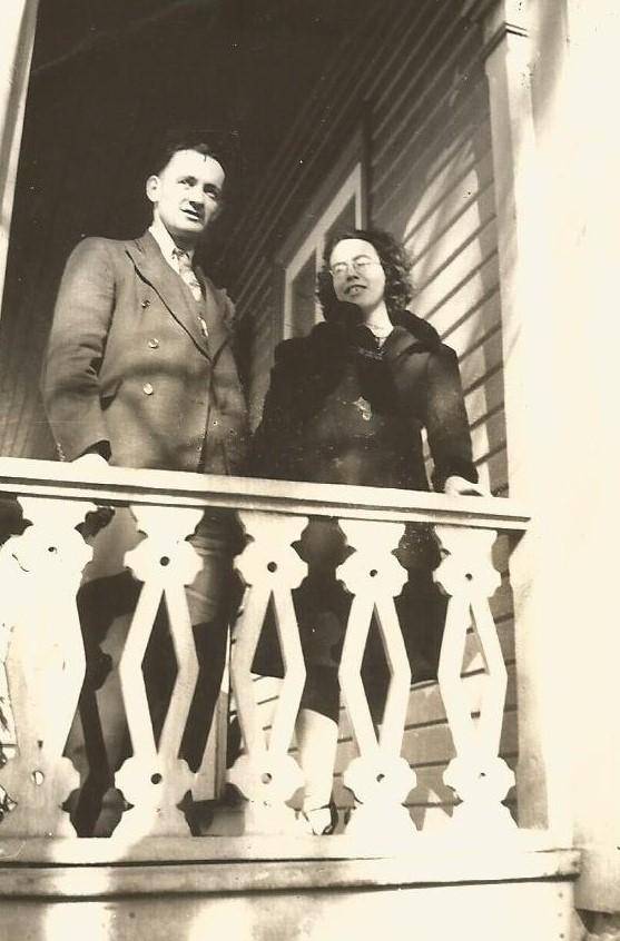 Mon père, Julien, et ma mère, Jeanne (1942).